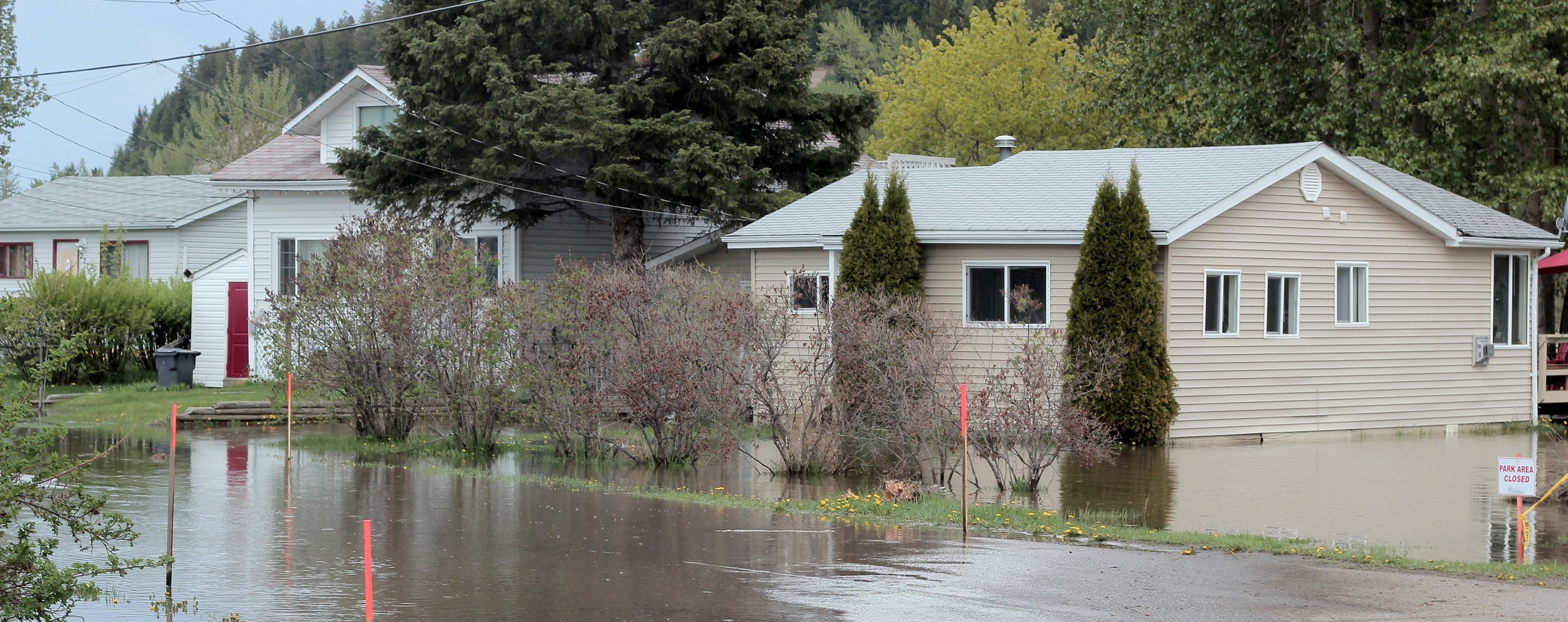 (featured)encapsulating after flooding (stock photo).jpg